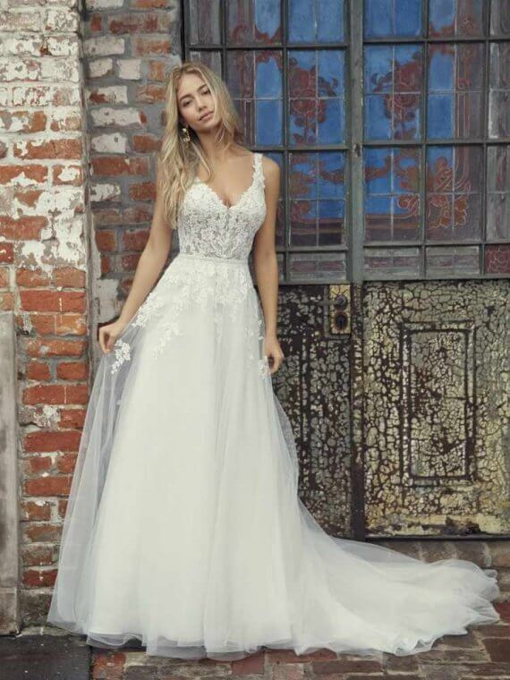 Rebecca Ingram Miriam sample sale discounted wedding dress