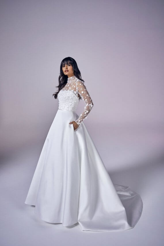 Suzanne Neville Bliss sample sale wedding dress cheap discounted
