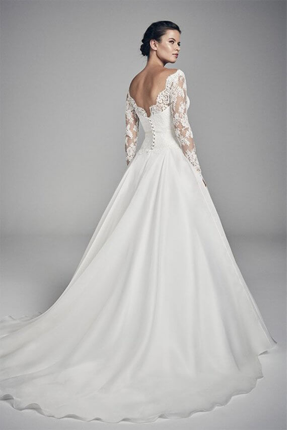 suzanne neville savannah sample sale wedding dress