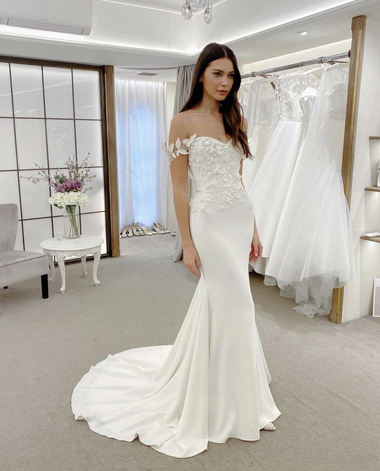 suzanne neville wedding dress shop sussex