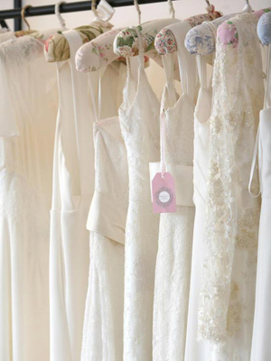 wedding-dress-alterations-fittings
